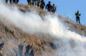 I sioux lottano per difendere le loro terre al passaggio di un oleodotto