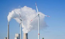 A Chinese company is offering free training for US coal miners to become wind farmers